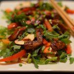 Asia-Salat mit Chicken Teriyaki