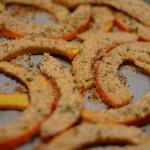 Kürbisspalten mit Kräuter-Käse-Kruste