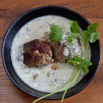 Lammklöße in warmem Joghurt nach Ottolenghi