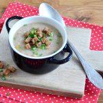 Gebrannte Grießsuppe mit geröstetem Knoblauch und Croûtons