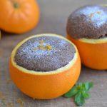 Schokoladenkuchen in der Orange gebacken