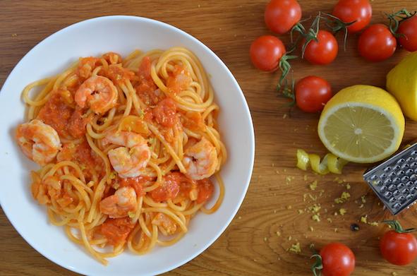 Zitronen-Tomaten-Spaghetti mit Garnelen