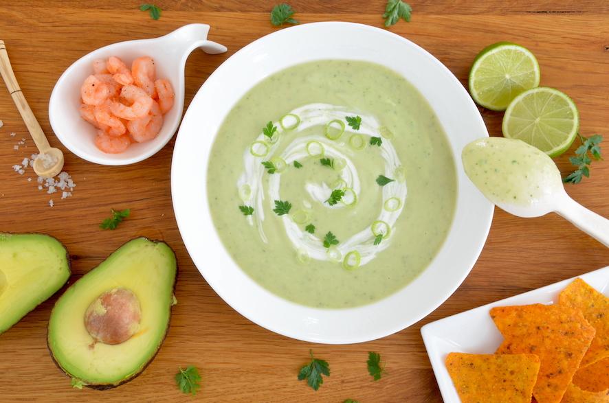 Avocado-Suppe mit Koriander und Limette